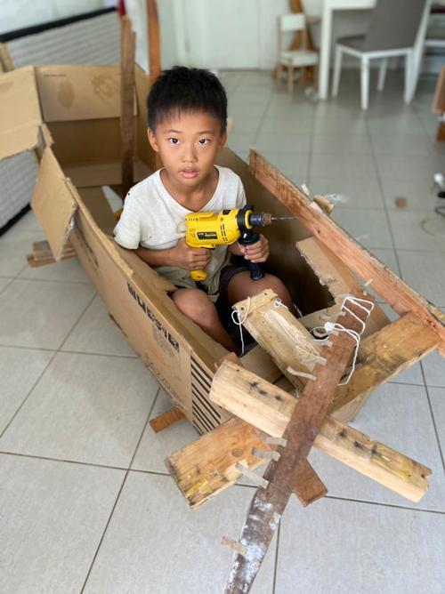 """7歳にして""""自作の船""""を作製©Haruki Fujii"""