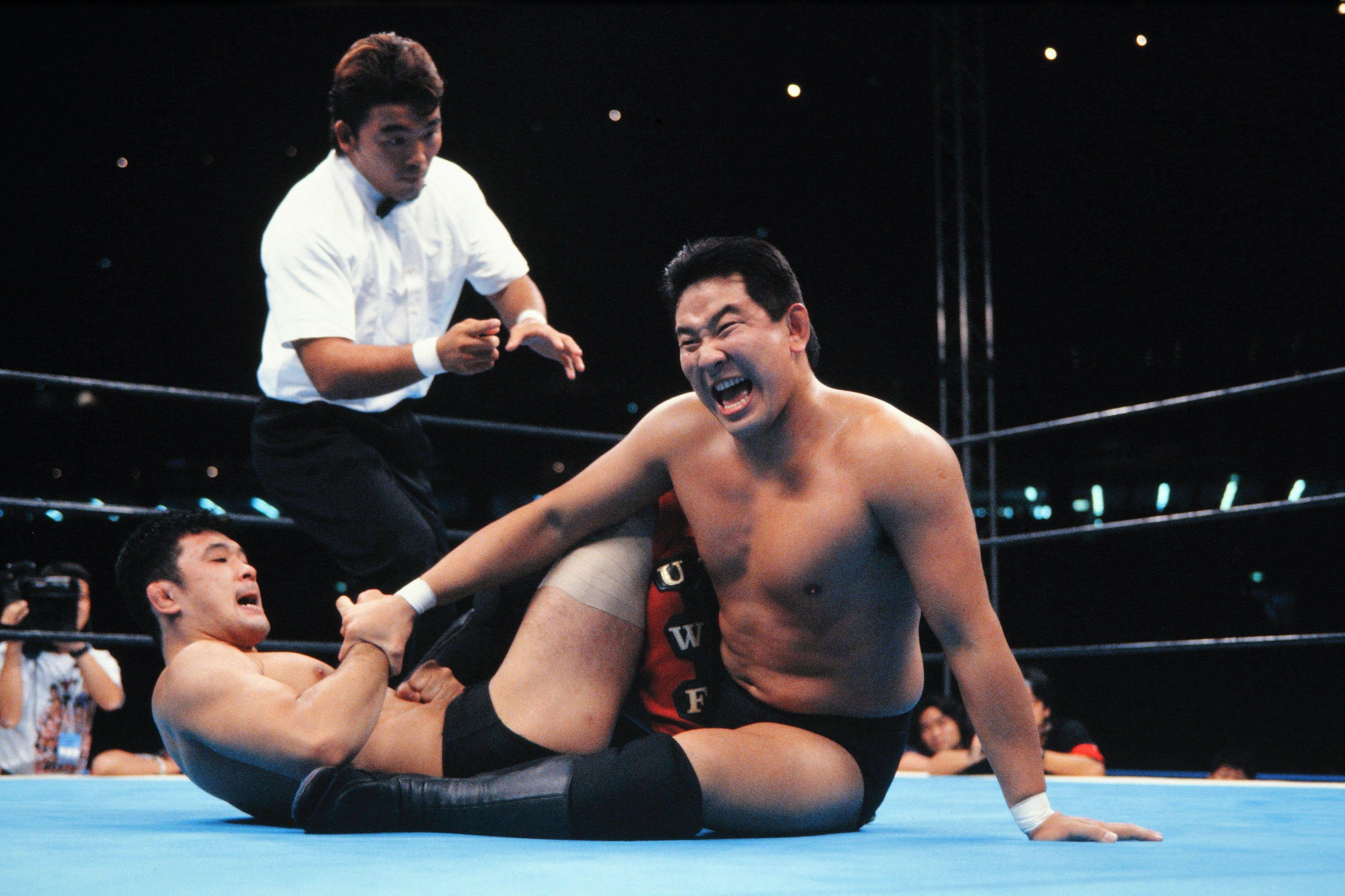 1995年「新日本vs Uインター」第1試合、永田裕志vs桜庭和志 ©Yukio Hiraku/AFLO