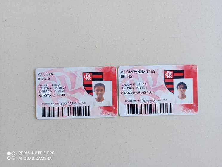 フラメンゴの選手登録証と同伴者カード©Hiroaki Sawada
