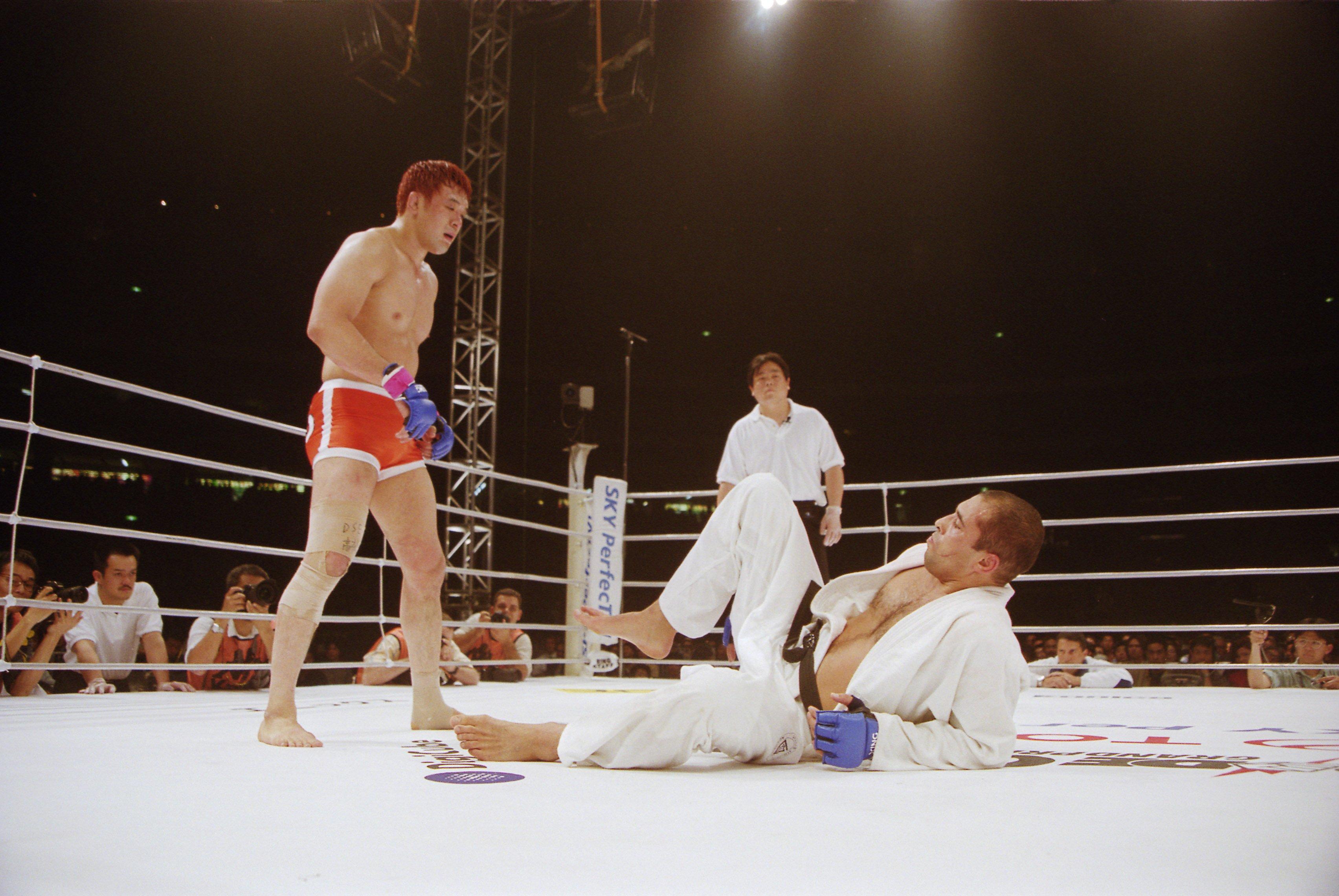 PRIDE GP2回戦、桜庭和志vsホイス・グレイシー(2000年5月1日) ©Yukio Hiraku/AFLO