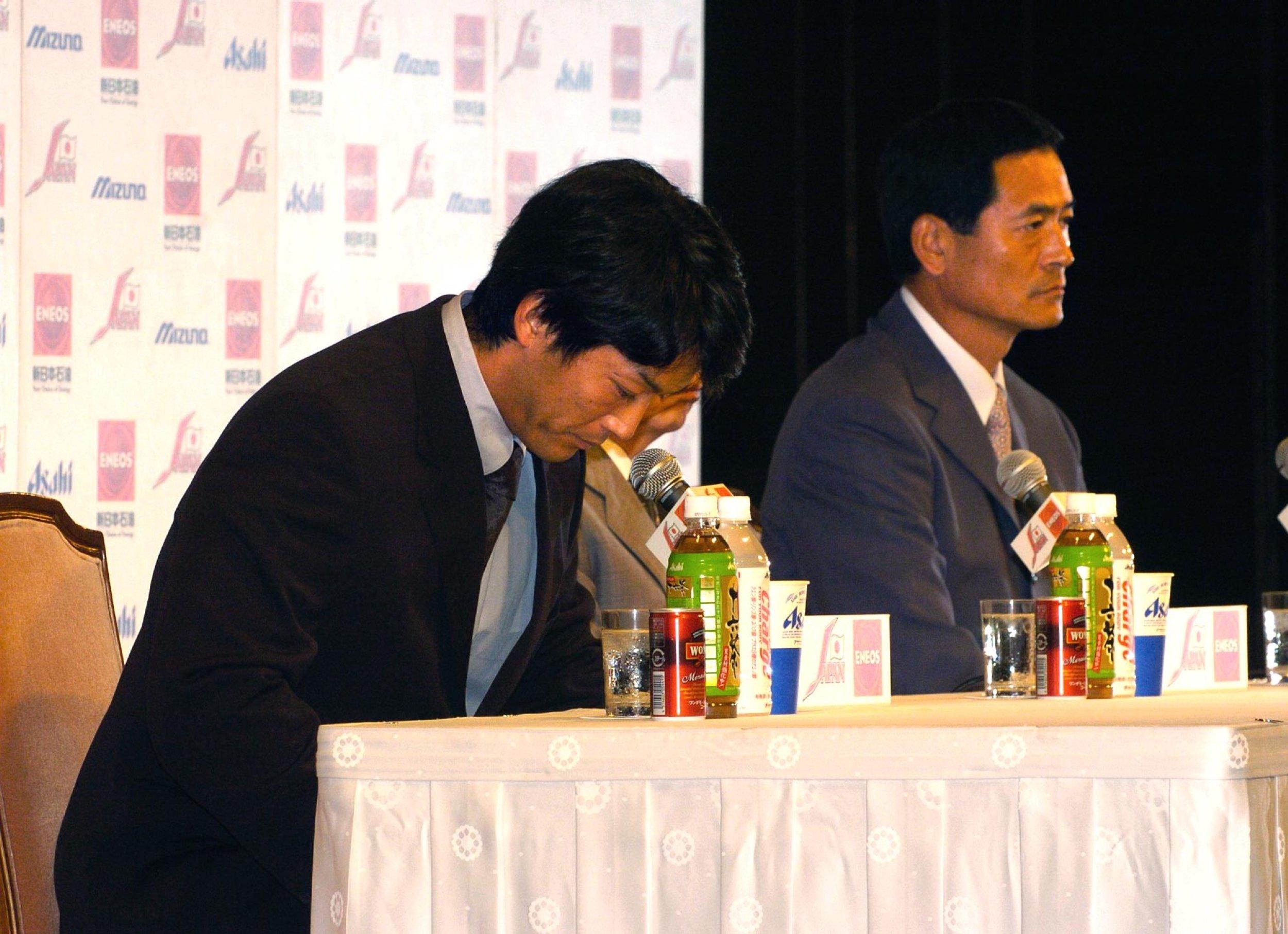 長嶋監督のアテネ行き断念を発表した長男の一茂氏 (C)Sankei Shimbun