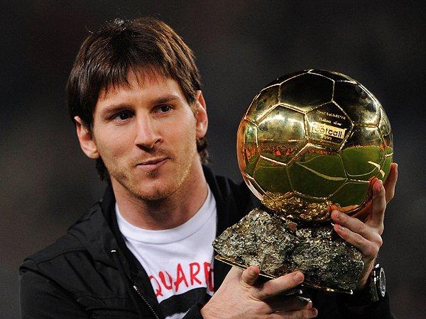 新着コラム FIFA最優秀選手賞とバロンドール。~合体後初の栄えある受賞者を占う~