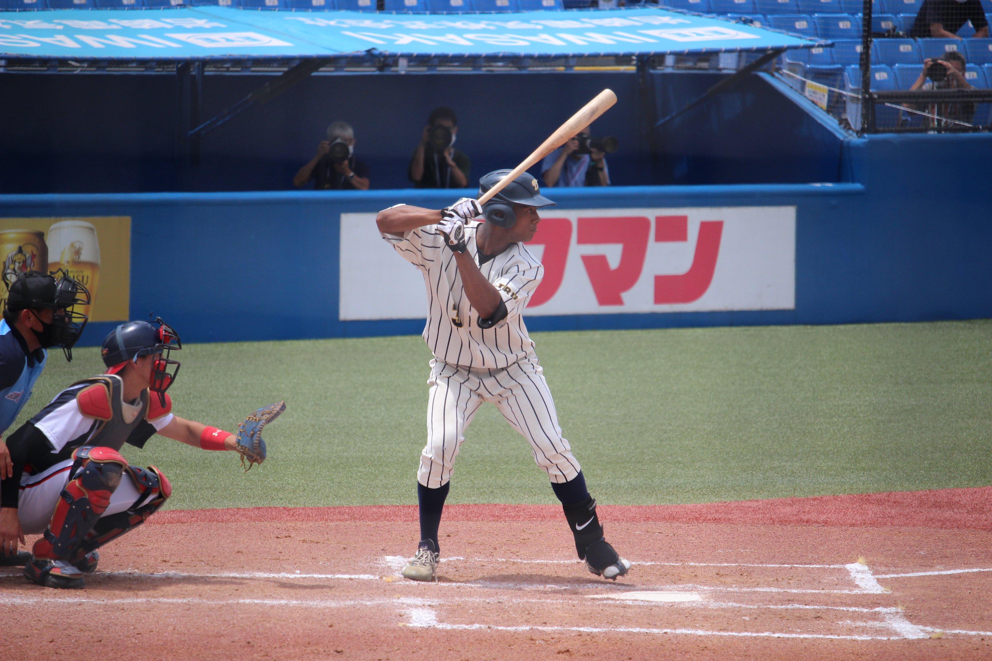 全日本大学野球選手権で左腕・隅田知一郎(ちひろ)からホームランを放ったブライト健太 ©︎Yu Takagi