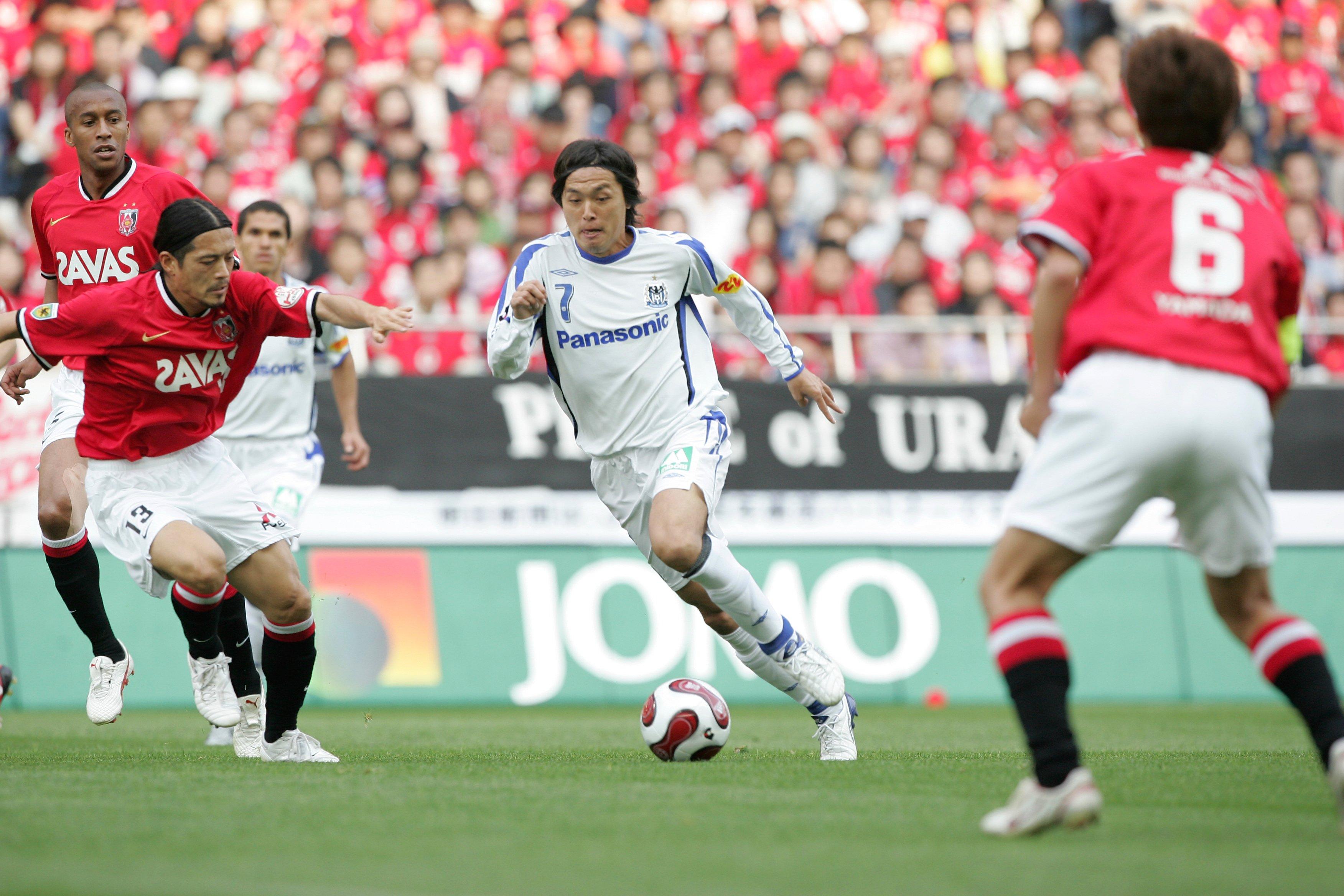 2007年は全試合フル出場を果たしている遠藤保仁 ©松園多聞